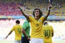 Brazil's Luiz celebrates his goal against Chile during their 2014 World Cup round of 16 game at the Mineirao stadium in Belo Horizonte