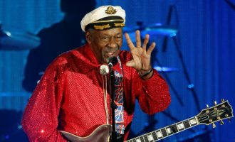 Odlazak  legende   rock'n'rolla :  U  91 godini preminuo  Chuck Berry   (VIDEO)