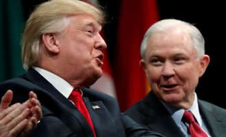 Novi potres u Washingtonu : Trump smijenio ministra pravosuđa Jeffa Sessionsa