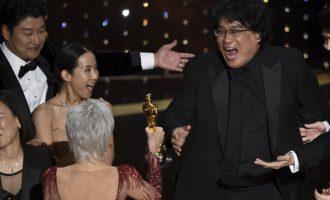 Južnokorejski film doslovno  izdominirao ovogodišnju dodjelu : Parazit је prvi film koji nije na engleskom jeziku a osvojio je Oscara