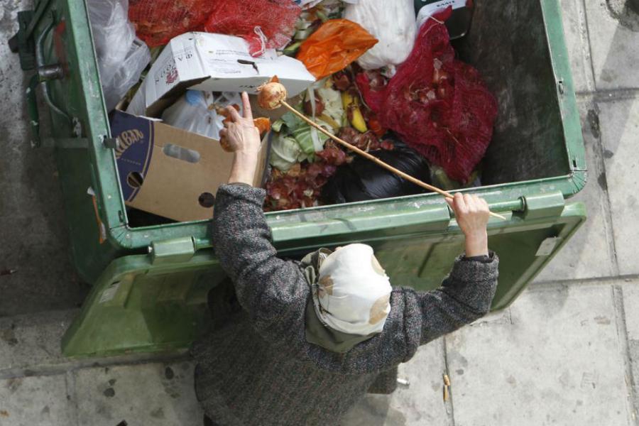 "Rezultat slika za upit ""penzioneri glad i kontejnneri"""